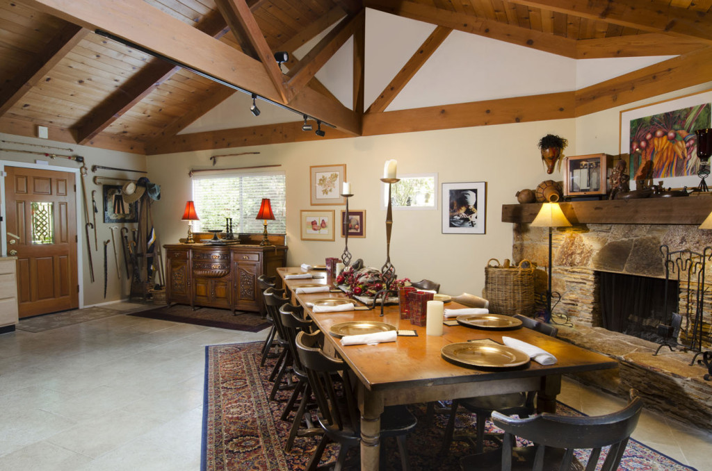 SEQUOIA RIVER DANCE BED & BREAKFAST breakfast